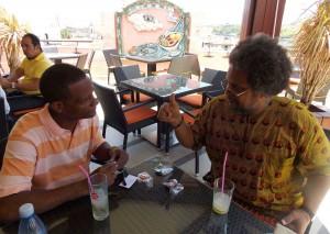 [cml_media_alt id='129']Gilberto et Henry à la terrasse de l'hotel Ambos Mundos [/cml_media_alt]