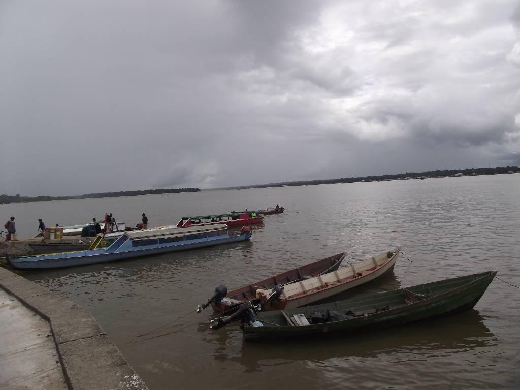 Taxis du fleuve_De l'autre côté le Surinam
