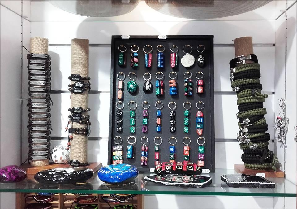Notre collection de porte-clefs en bois.